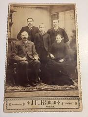 Swedish emigrant family ? (Anna-Karin S) Tags: j l kelman ljkelman illinois swedish cabinetcard groupphoto