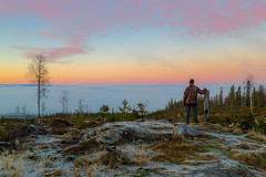 Above clouds (tods_photo) Tags: landscape totenåsen toten clouds sky colours scenery view woods chilly man person
