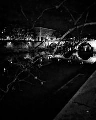 Ma Roma se ne frega In cambio dalla notte che ti invita Fredda che quel freddo ti rimane A volte così calda che quel freddo te lo fa scordare (Luca Ppella Narduzzi) Tags: black white bn winter photography photo foto focus baw italy italia monocromo