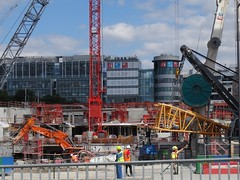 construction du monde (Jeanne Menjoulet) Tags: construction chantier rfi radiofranceinternational france24