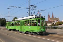 2018-08-05, Basel, Wettsteinbrücke (Fototak) Tags: tram strassenbahn basel switzerland bvb tcb danteschuggi 450 702 tramrestaurant