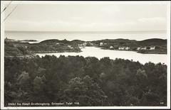 Postkort fra Agder (Avtrykket) Tags: bebyggelse bolighus hus postkort skjærgård skog uthavn grimstad austagder norway nor