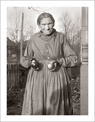Portrait 059-24 - Seeking Snow White (Steve Given) Tags: socialhistory familyhistory portrait lady woman apple
