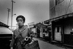 from now on 650 (soyokazeojisan) Tags: japan osaka city street bw people blackandwhite monochrome analog olympus m1 om1 21mm film trix kodak memories 1970s