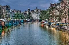 Amsterdam 1979 (Bernai Velarde-Light Seeker) Tags: canal boathouses amsterdam netherlands eurpe bernaivelarde buildings cars 1979