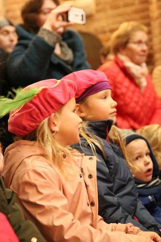 "2018-11-18 Sinterklaas-fotografie VraagAnthea (34) <a style=""margin-left:10px; font-size:0.8em;"" href=""http://www.flickr.com/photos/44627450@N04/45249161544/"" target=""_blank"">@flickr</a>"