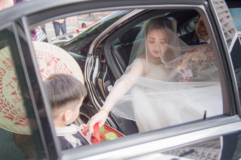 台南東東宴會式場 婚宴 走在幸福的紅毯上 R & B 076
