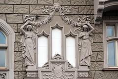 Prager Fassadendetails - 16 (fotomänni) Tags: prag prague praha jugendstil fassadenfiguren skulptur skulpturen sculpture kunst art manfredweis