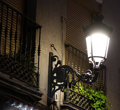 Madrid (hans pohl) Tags: espagne madrid lampes lamps lampadaires