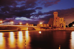 Scie (gius_laino) Tags: acqua water explosion reflections europe river travel trip tramonto sky yellow city journey holidays tuscany sunset lungarno cielo pisa fiume shades clouds lights longexposure