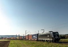 041_2018_09_28_Retzbach-Zellingen_6185_547_DISPO_mit_Containerzug ➡️ Gemünden (ruhrpott.sprinter) Tags: ruhrpott sprinter deutschland germany allmangne nrw ruhrgebiet gelsenkirchen lokomotive locomotives eisenbahn railroad rail zug train reisezug passenger güter cargo freight fret retzbachzellingen bayern unterfranken mainspessart brll byb db dbcsc dispo egp eloc hctor lm loc meg mt nesa öbb pkpc rhc rpool rtb sbbcargo slg setg xrail 0425 1016 1116 1211 1293 3364 5370 6139 6143 6145 6152 6155 6182 6185 6186 6187 6193 8170 logo natur outddor graffiti