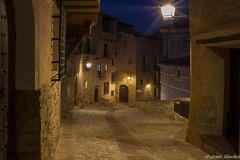 Albarracin (jesussanchez95) Tags: albarracín teruel nocturna noche night calle street building edificio urbanlandscape paisajeurbano