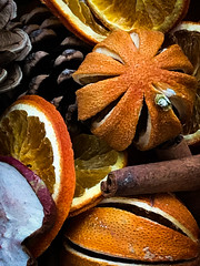 Smells nice! (judy dean) Tags: judydean 2019 potpourri christmas scent perfume smell orange pine cinnamon apple 365the2019edition 3652019 day16365 16jan19