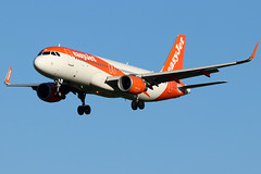 OE-INB_01 (GH@BHD) Tags: oeinb airbus a320 a320200 u2 ezy easyjet easyjeteurope aircraft aviation airliner egaa bfs belfastinternationalairport