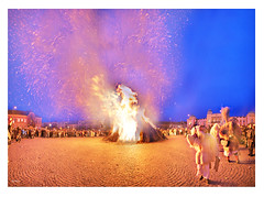 It is too hot (laluzdivinadetusojos) Tags: busojaras mohacs hungary central europe fire carnival february winter