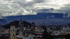 Toluca y el Nevado (Joan Díaz) Tags: toluca méxico estadodeméxico catedral centro iglesia templo nubes clouds nieve snow cielo sky city volcán volcano