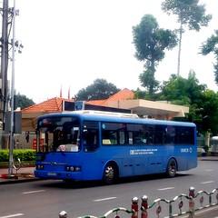 Hyundai Super Aerocity CNG on bus line number 104: An Sương bus terminal <-> Nông Lâm university (Ho Chi Minh city university of forestry and agriculture) | Vehicle license plate: 51B - 057.28 (phanphuongphi) Tags: daihocsuphamkkythuattphcm khucongnghieptanbinh hyundai ngatubinhthai causaigon daihocnonglamtphcm chobachieu langchaca hyundaiaerocity cngbus hyundaibus khuchexuatlinhtrung buytsaigon benxeansuong ngvbus bus104 ngatuhangxanh ngatumk ngatuthuduc naturalgasbus