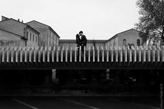 Two (simone.pelatti) Tags: sonya6000 a6000 forlì barcaccia san domenico kiss love romance couple black white bw contrast shadow division