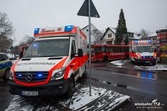 Kellerbrand Mainz-Kastel 16.12.18 (Wiesbaden112.de) Tags: alarm atemschutz brand bus elrd feuer feuerwehr kastel kellerbrand nef qualm rtw rauch wiesbaden betreuung lna olrd