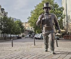 Nuohooja (Kurssille.com) Tags: estonia eesti viro tallinn tallinna taunokangro nuohooja patsas statue art taide chimneysweeper