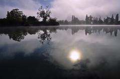 Lever de soleil Verlainien (Evim@ge) Tags: sunrise soleil lac reflet reflectiion outside water eau sun lumière light leverdesoleil lake savoie reflection