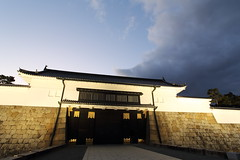 Gate (Teruhide Tomori) Tags: 元離宮二条城 夜景 京都 日本 古城 二条城 ライトアップ kyoto japan japon nijocastle night light