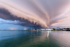 Coming in close (Louise Denton) Tags: storm shelf cloud weather rain stormy lightning wetseason tropical darwin nt northernterritory australia fishermanswharf harbour duckpond water