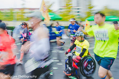 LD4_0145 (晴雨初霽) Tags: shanghai marathon race run sports photography photo nikon d4s dslr camera lens people china weekend november 2018 thousands city downtown town road street daytime rain staff