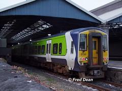 Irish Rail 2721/20 in Limerick. (Fred Dean Jnr) Tags: january2010 limerick iarnrodeireann irishrail 2721 2720 colbertstationlimerick limerickcolbertstation 2700class railcar dieselmultipleunit dmu