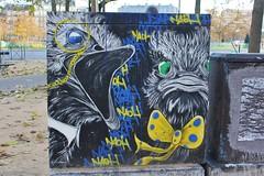 Naoh_9055 place d'Italie Paris 13 (meuh1246) Tags: streetart paris naoh placeditalie paris13 armoireedf animaux oiseau autruche