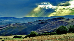 Toscana Val d'Orcia (gerard eder) Tags: world travel reise viajes italy italia italien tuscany toscana toskana valdorcia paisajes panorama landscape landschaft landwirtschaft natur nature naturaleza nubes clouds wolken storm sunset atardecer outdoor fabuleuse