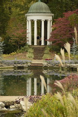 philbrook tempietto 2018 (alnbbates) Tags: november2018 tulsa philbrook gardens fallcolors tempietto pond reflections