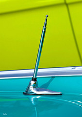 lines of communication... (Stu Bo) Tags: canon certifiedcarcrazy coolcar classiccar canonwarrior vivid vintageautomobile radio antenna chromeisking greatpaint lines oldschool onewickedride oneofakind sbimageworks showcar shadows light