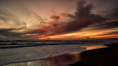 December Sunrise (PeskyMesky) Tags: aberdeen aberdeenbeach sunrise sunset water beach sea ocean red sky cloud scotland flickr december 2018 canon canon5d eos