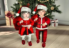 ♥ Happy Christmas ♥ (Lexane Addams) Tags: christmassoon christmas noel joyeuxnoel happy happychristmas red winter tempsdesfetes cadeau arbredenoel monamoureuxamoi couple impression bento babygirl baby boy cute iloveyou inlove lovechristmas