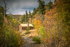 Autumn Log Cabin (Brad Prudhon) Tags: 2018 cottonwoodcampground fall logcabin nephi old september utah autumn colors scenic