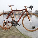 木製ロードバイクの写真