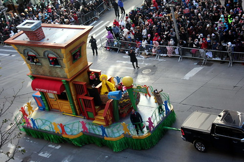2018 Macy's Thanksgiving Day Parade - 1-2-3 Sesame Street