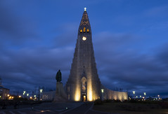 blue hour Hallgrímskirkja, Reykjavík (kalakeli) Tags: hallgrímskirkja churches kirchen island iceland september 2018 bluehour blauestunde nightshots nachtaufnahmen reykjavík longexposure langzeitbelichtung 25secs