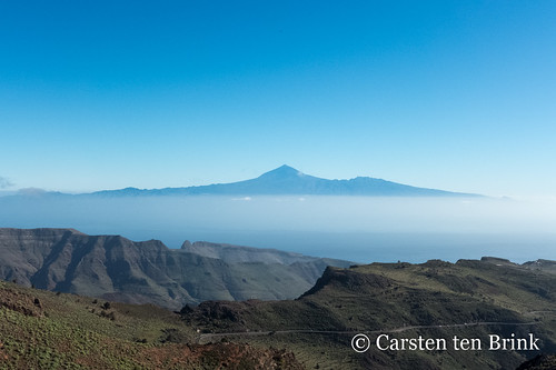 On the trail - El Teide in the distance