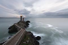 Le p'tit Minou (Kambr zu) Tags: erwanach kambrzu finistère bretagne lighthouse tourism ach sea phare ciel seascape landescape poselongue plouzané petitminou merdiroise paysages paysagesmythiques lanterne