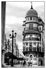 Sevilla (mgarciac1965) Tags: sevilla seville seviglia andalucía andalucia andalusia españa spain espagne nikon nikond5200 bn blackandwhite light city street people nikkor mono bw