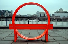 Circular bench by the Thames (zawtowers) Tags: jubilee greenway section 8 towerbridgetowestminsterbridge river thames path south bank central london saturday 19th january 2019 cloudy dry cold amble walk stroll exploring circular bench orange view over ferries inside circle
