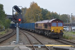 "English Welsh & Scottish Railway Liveried Class 66/0, 66183 (37190 ""Dalzell"") Tags: ews englishwelshscottishrailways revised maroongold db dbcargorail gm generalmotors shed class66 class660 66183 wallgate wigan"