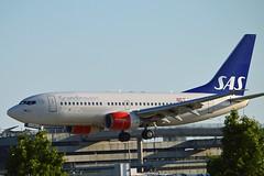 """Grimhild Viking"" SAS Scandinavian Airline System LN-RPJ Boeing 737-783 cn/30192-486 @ EGLL / LHR 27-05-2018 (Nabil Molinari Photography) Tags: grimhildviking sas scandinavian airline system lnrpj boeing 737783 cn30192486 egll lhr 27052018"