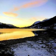 Jølstrasolnedgang -|- Lake Jolster sunset (erlingsi) Tags: jølster jølstravatn sunset sunny solnedgang sunnfjord sq ålhus