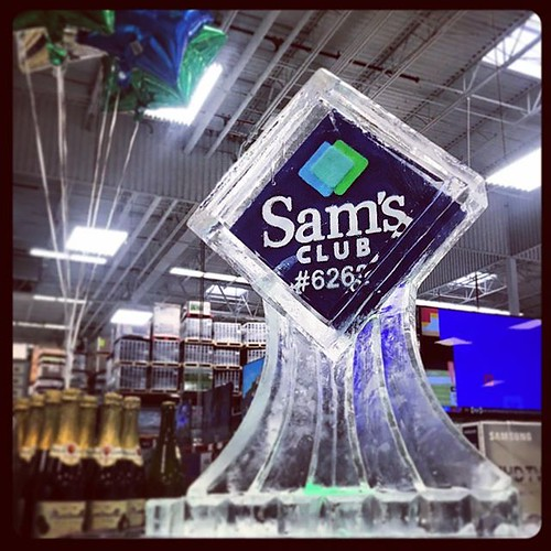 @samsclub getting their day started right with this #icesculpture #logo #fullspectrumice #thinkoutsidetheblocks #brrriliant #branding - Full Spectrum Ice Sculpture