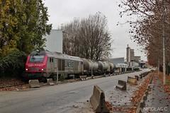 Refoule...Refoule... (nicolascbx) Tags: bb75000 lineas ciment calcia fret freight freighttrain gennevilliers tergnier portdegennevilliers train traindefret ite bb75012