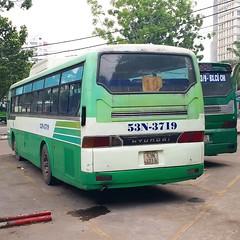 1-5 Auto B80 on bus line number 19: September 23rd park <-> Eastern bus terminal <-> National University in Ho Chi Minh City   Vehicle license plate: 53N - 3719 (phanphuongphi) Tags: buytsaigon bus19 transinco 15auto vinamotor hyundai hyundaibus congvien23thang9 chobenthanh benthanhmarket congtruongmelinh benhviennhidong2 daihockhoahocxahoivanhanvantphcm htv daitruyenhinhthanhphohochiminh cauthinghe thinghebridge ngatuhangxanh benxemiendong caubinhtrieu ngatubinhphuoc chodaumoinongsanthuduc khucongnghiepsongthan benxelamhong congtygiaydathaibinh ngatulinhxuan khuchexuatlinhtrung daihockinhteluattphcm daihocnonglamtphcm cauvuottram2 suoitien daihocquoctetphcm hcmiu daihocquocgiatphcm