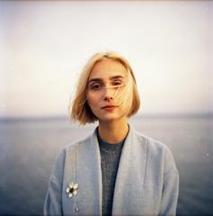 img007 (Leon-ars) Tags: portrait girl beauty film mediumformat 120film 6x6 yashica autumn portra kodak analog color